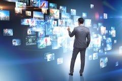 O conceito de fluir o vídeo com homem de negócios fotos de stock