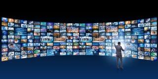 O conceito de fluir o vídeo com homem de negócios imagem de stock royalty free