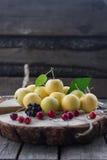 O conceito de maçãs saudáveis comer Foto de Stock