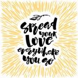 O conceito do amor e da caridade entrega o cartaz da motivação da rotulação Imagens de Stock Royalty Free