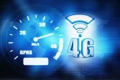 o conceito do Internet 4g, tabuleta com 4g assina dentro o fundo digital Foto de Stock