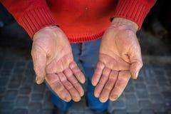 O conceito do trabalho duro, mãos proximamente, segue do trabalho, Ucrânia Foto de Stock