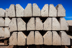 O concreto encurrala estradas fotografia de stock