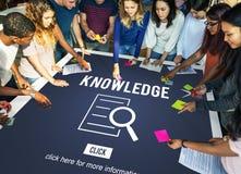O conhecimento resulta conceito da investigação da descoberta fotografia de stock