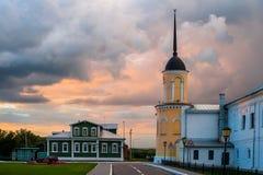 O conjunto da construção do quadrado da catedral no Kremlin de Kolomna Kolomna Rússia imagem de stock royalty free