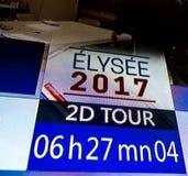 2.o contador de tiempo de la cuenta descendiente del viaje de Elysee 2017 en la cadena de televisión francesa Imágenes de archivo libres de regalías