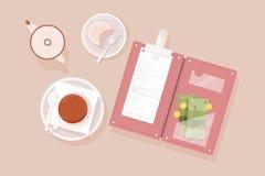 O copo do chá, bolo na placa, desnatadeira, abriu o suporte de conta com verificação do restaurante, cédulas do dinheiro e moedas ilustração royalty free