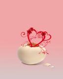 O coração cresce de um ovo Fotografia de Stock Royalty Free