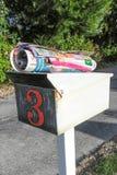 O correio não solicitado do Natal do monstro não caberá dentro Imagem de Stock