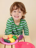 O cozimento da criança finge o alimento Foto de Stock Royalty Free