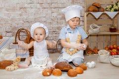 O cozinheiro chefe novo Imagens de Stock Royalty Free