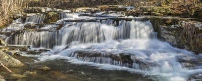 O cravo-da-índia de Stony Creek cai vista larga foto de stock