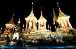 O crematório real para o HM rei Bhumibol Adulyadej em Sanam Luang preparado para ser usado como o funeral real imagens de stock royalty free