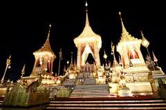 O crematório real para o HM rei Bhumibol Adulyadej em Sanam Luang preparado para ser usado como o funeral real foto de stock
