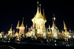 O crematório real para o HM rei Bhumibol Adulyadej em Sanam Luang preparado para ser usado como o funeral real imagem de stock