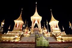 O crematório real para o HM rei Bhumibol Adulyadej em Sanam Luang preparado para ser usado como o funeral real fotografia de stock