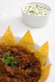 O creme ácido & os cebolinhos com pimentão-con-carne Fotos de Stock