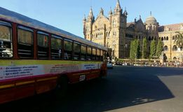 O CST de Chhatrapati Shivaji Terminus é um local do patrimônio mundial do UNESCO e uma estação de trem histórica em Mumbai, Índia fotografia de stock