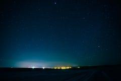 O céu noturno real natural Stars a textura do fundo Imagens de Stock Royalty Free