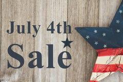 4o da mensagem da venda de julho Fotos de Stock Royalty Free