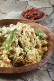 O dal misturado é uma combinação de lentilhas, de especiarias frescas e de vegetais Fotografia de Stock