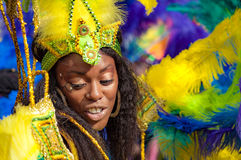 O dançarino da rua está tendo o divertimento no carnaval de London's Notting Hill Foto de Stock