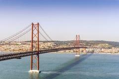 25o de April Bridge em Lisboa, Portugal Fotografia de Stock Royalty Free