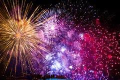 4o de fogos-de-artifício de julho em Boston miliampère imagens de stock