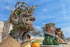 O ` de quatro estações é uma série de quatro cabeças gigantes, cada um da escultura que representa uma estação do ano Artista Phi Fotos de Stock