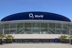 O2 de voorgevel van de Wereldarena op 21 Mei, 2015 in Berlijn, Duitsland Stock Afbeeldingen