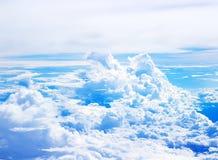 O delicado borrado nubla-se a vista de um plano Fotos de Stock Royalty Free