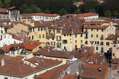 O dell'Anfiteatro da praça em Lucca, Itália Fotografia de Stock