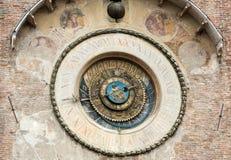 O della Ragione de Palazzo com o ` da torre de pulso de disparo do ` de Orologio do ` do dell de Torre Mantua, Foto de Stock Royalty Free