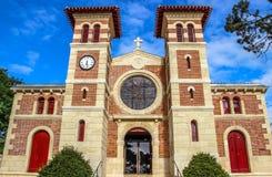 O DES de Notre Dame passa a igreja, Le Moulleau, Arcachon, Aquitaine, França imagens de stock