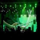 O desempenho foi seguido pela exposição em uma grande tela atrás do Fotografia de Stock Royalty Free