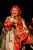 O desempenho na fase do cantor popular nacional do babkina do nadezhda das músicas do russo e da música do russo do teatro Imagem de Stock Royalty Free