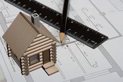 O desenho de engenharia em um papel. Imagens de Stock