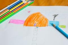 O desenho e a pintura das crianças Imagem de Stock Royalty Free