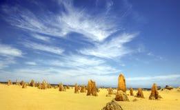 O deserto dos pináculos, parque nacional de Nambung, Austrália Ocidental Fotos de Stock Royalty Free