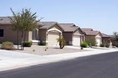 O deserto moderno novo dirige a vizinhança Imagem de Stock