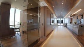 O design de interiores moderno da casa foto de stock