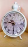 O despertador branco Foto de Stock