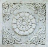 O detalhe arquitetónico cinzelou em Grey Marble: Rolos e Chrysa Foto de Stock Royalty Free