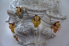 O detalhe da escultura no interior de Nossa Senhora faz a igreja de Carmo - Sao Joao Del Rei, Minas Gerais, Brasil Imagem de Stock