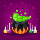 O Dia das Bruxas doce Halloween feliz Cartaz, cartão para Dia das Bruxas O feriado, caldeirão das bruxas, poção, garrafas Fotografia de Stock Royalty Free