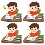 O dia diário para o estudante do menino que faz trabalhos de casa ilustração royalty free