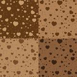 O dia e o coração colorido de Valentim no teste padrão do chocolate de Brown Fundo do dia de Valentim do vetor Imagens de Stock