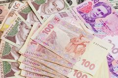 O dinheiro de papel fatura 500 e 200 do close-up ucraniano do hryvnia Imagem de Stock