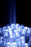 O diodo emissor de luz azul ilumina o close up com feixe luminoso Imagem de Stock