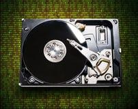 O disco rígido do computador no fundo do matri fotos de stock